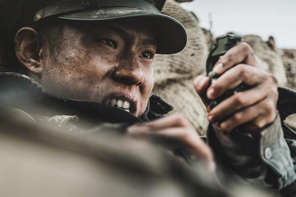 「熱情男」崔珉豪入伍前最後之作 扮學生兵戰到破相?!