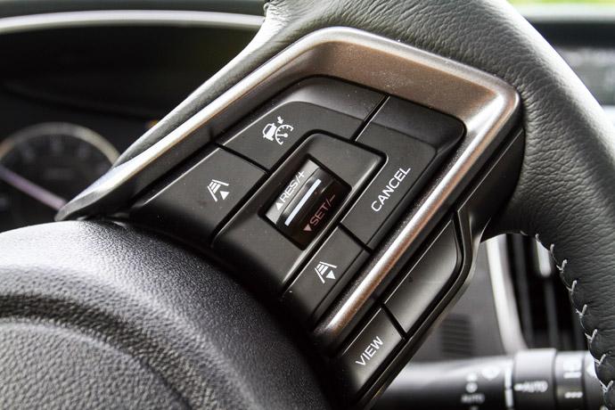 於方盤上調整ACC的控制按鈕,操作起來相當便利。