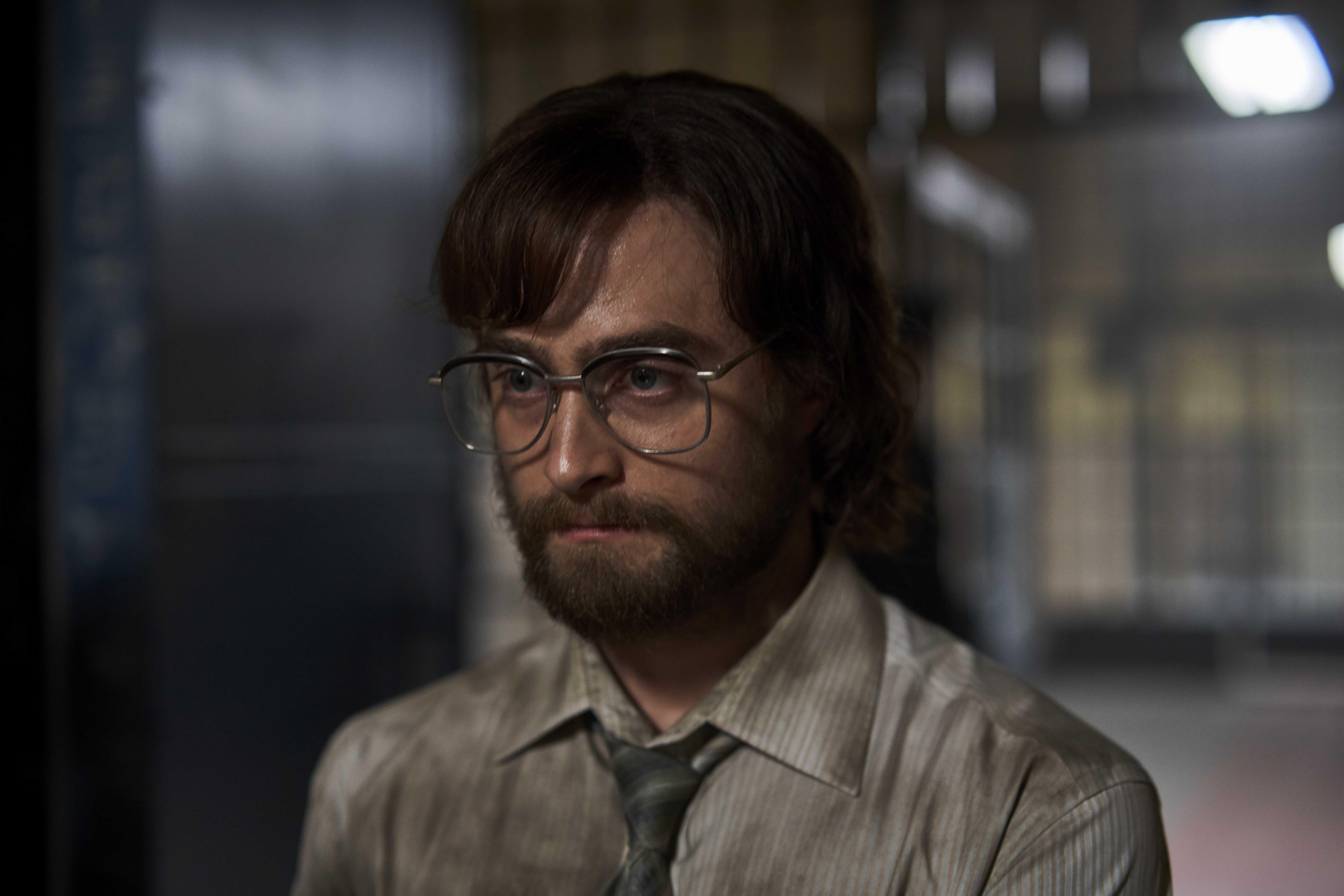丹尼爾為了符合角色形象,留了一頭中長捲髮、蓄起大鬍子,還敬業地學起南非當地的英文口音