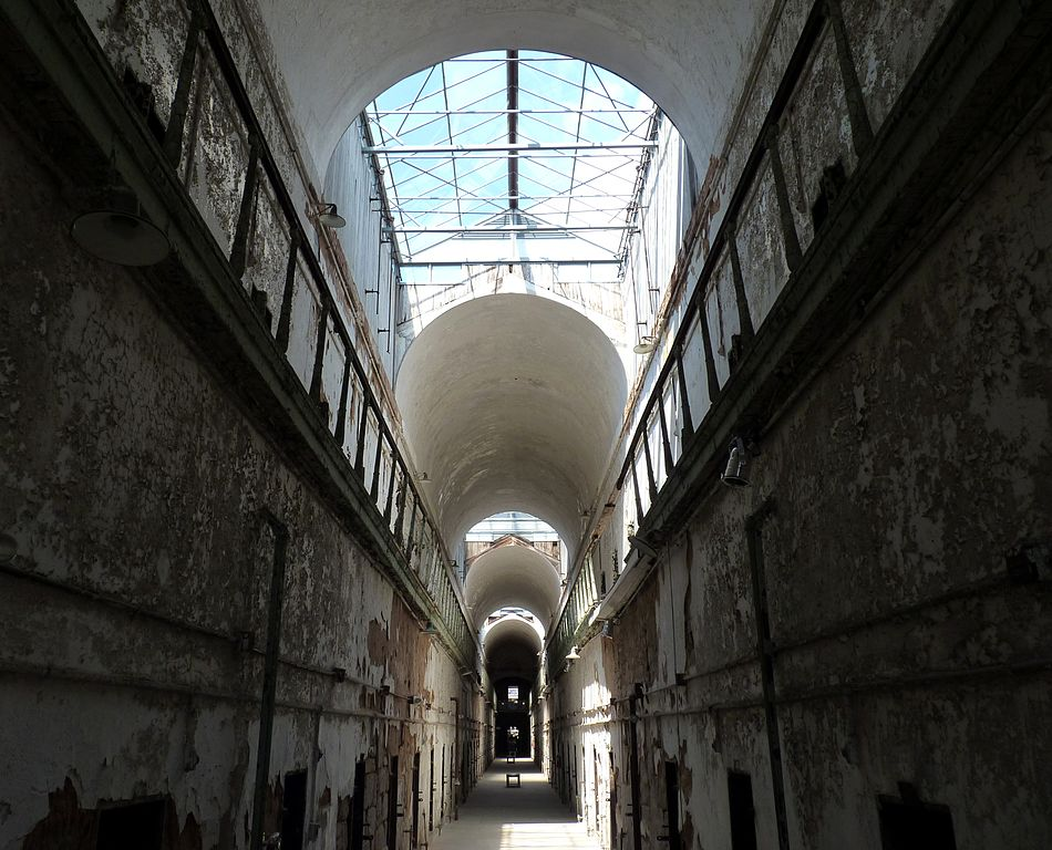 美國費城東部州立監獄 (Photo by Dudva, License: CC BY-SA 3.0, Wikimedia Commons提供)