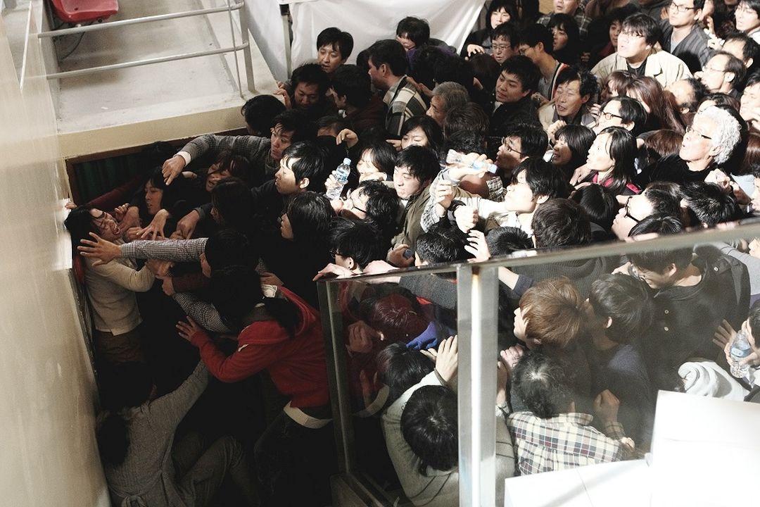 韓國票房冠軍! 《鐵線蟲入侵》導演直言「比起疫情更可怕的是人性」