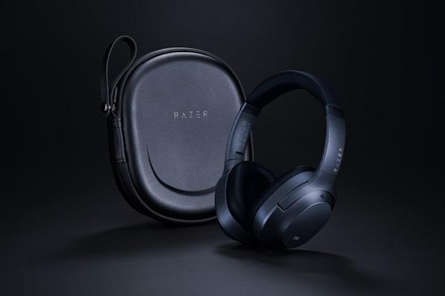 New noise canceling headphone