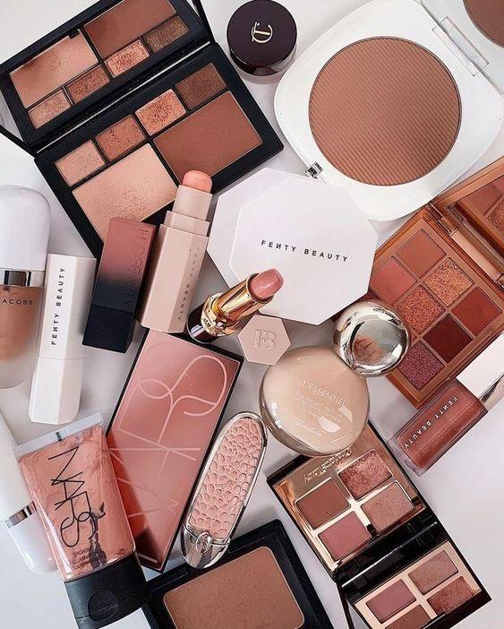 受疫情影響,彩妝銷售整體衰退。