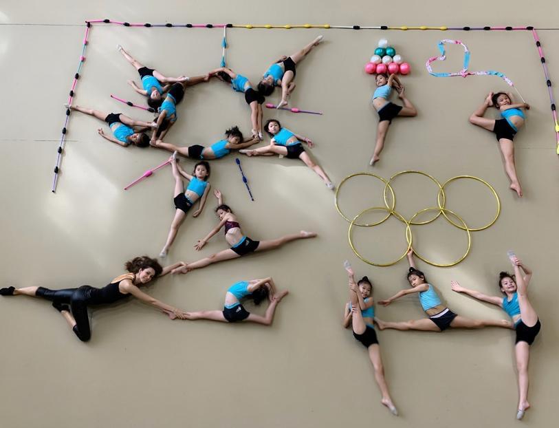 瑞莎自掏腰包率領台灣韻律體操隊參加國際比賽,搶下三銅一金。