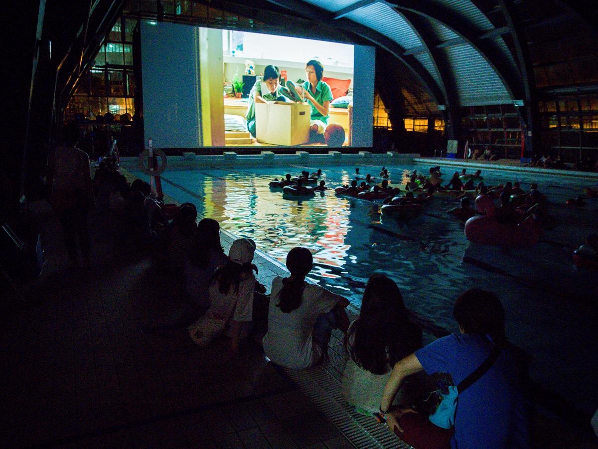 2017台北電影獎戶外放映《藍色大門》於台灣科技大學游泳池舉行,由江泰墩負責放映工程