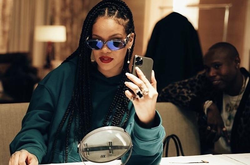 Rihanna在去年與LVMH集團聯手創立全新奢侈品牌「FENTY」為她帶來巨大財富。(截自FENTY IG)