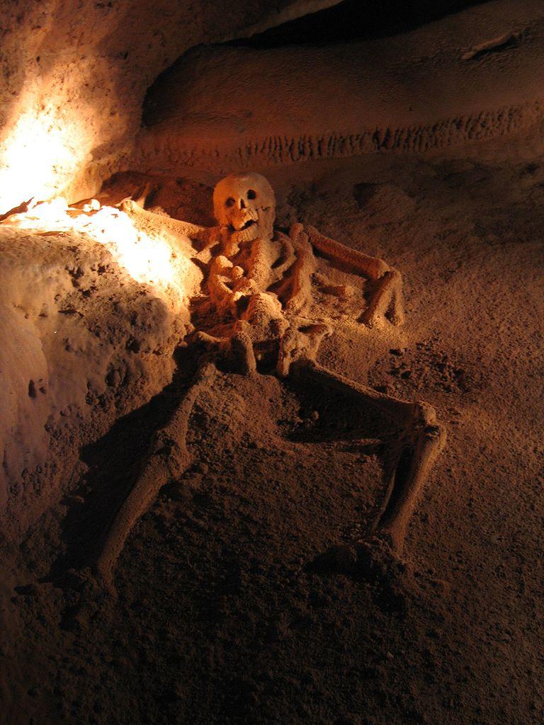 水晶洞窟 (Photo by Peter Andersen, License: CC BY-SA 3.0, Wikimedia Commons提供)