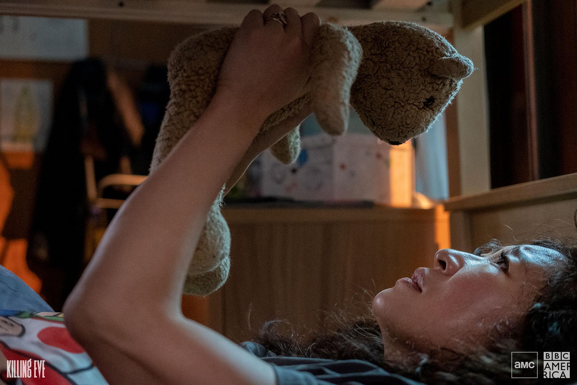 夏娃与玩具熊