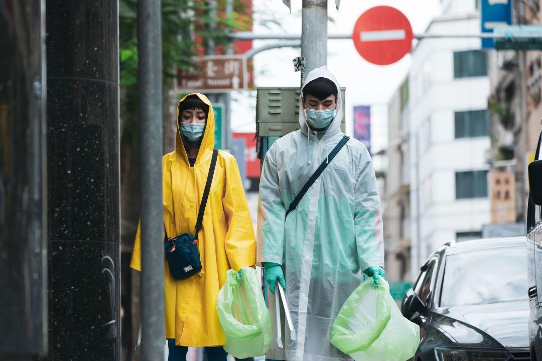 林柏宏与谢欣颖在《怪胎》中分别饰演洁癖严重的强迫症患者