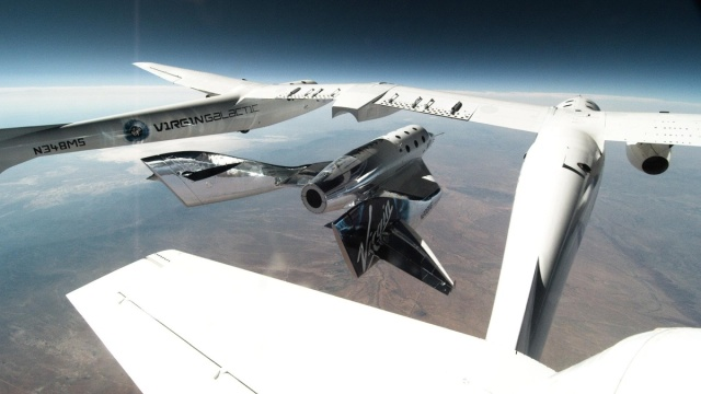 SpaceShipTwo Unity Released From VMS Eve for Second Glide Flight in New Mexico