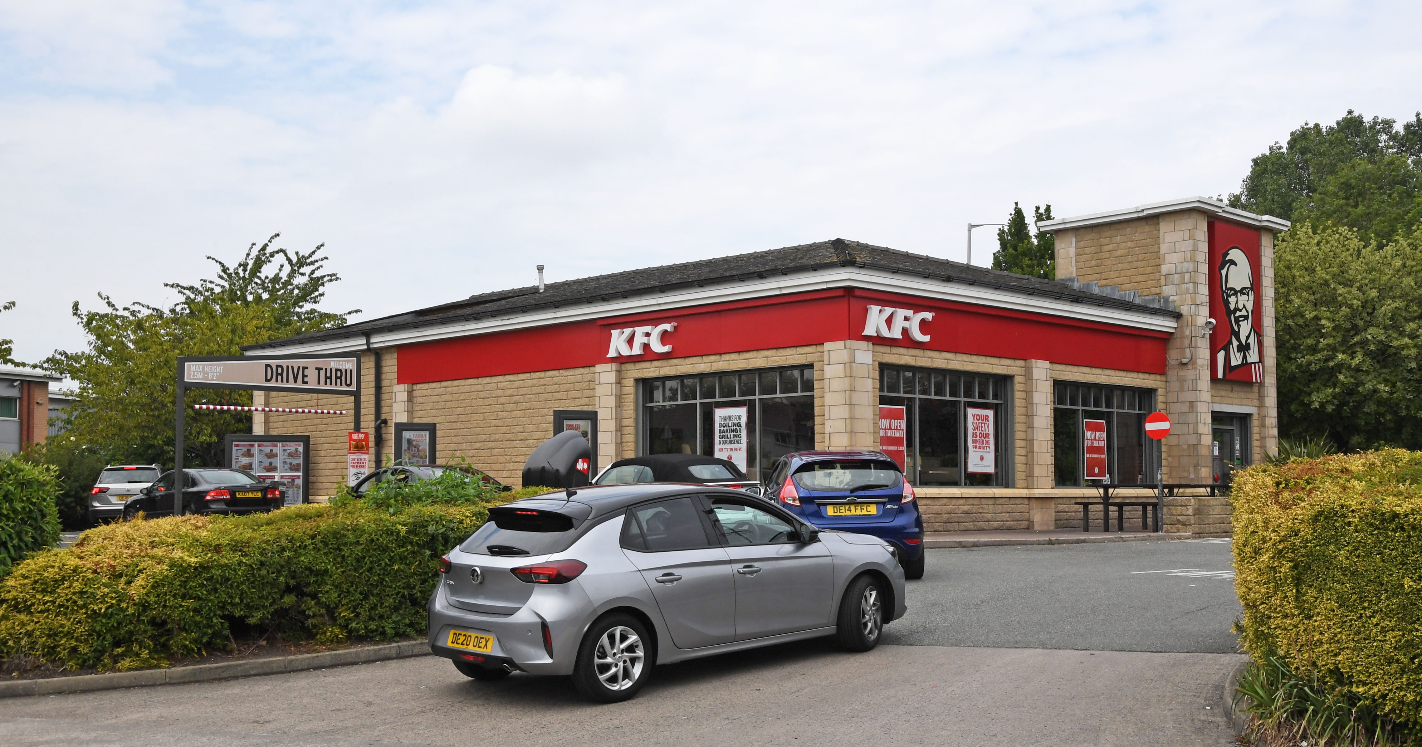 Hungry KFC fans queuing up at a Wirral drive-through for their favourite takeaway (Picture: Liverpool Echo)