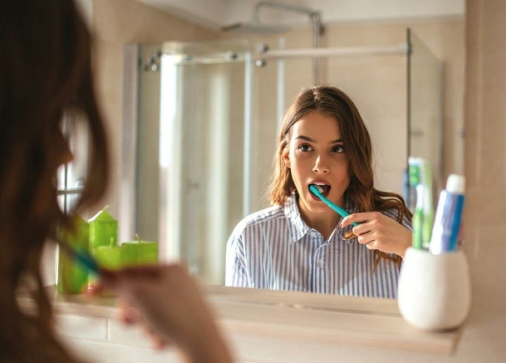 什麼時候刷牙最好?基本上就是吃完東西、喝完飲料後