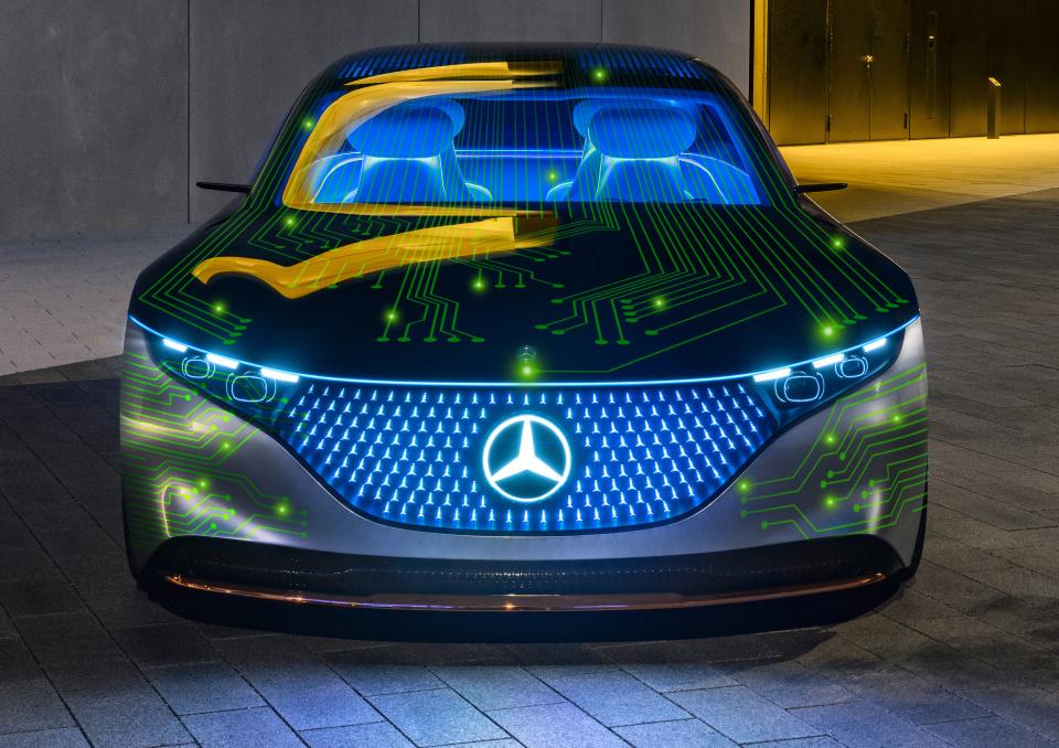 """Mercedes-Benz, einer der gröÃten Hersteller von Premium-Fahrzeugen, und NVIDIA, der weltweit führende Anbieter von """"accelerated-computing"""", beabsichtigen bei der Entwicklung eines fahrzeuginternen Computersystems sowie einer KI-Computing-Infrastruktur zu kooperieren. Ab 2024 soll die neue Technologie über alle Mercedes-Benz Baureihen eingeführt werden, um Fahrzeuge der nächsten Generation mit upgrade-fähigen, automatisierten Fahrfunktionen auszustatten. Ziel der geplanten Zusammenarbeit ist es, eine der intelligentesten und fortschrittlichsten Rechnerarchitekturen für alle Mercedes-Benz Baureihen zu entwickeln. Die neue software-definierte Architektur basiert auf NVIDIA DRIVETM und wird in allen künftigen Mercedes-Benz Fahrzeugen zum Standard gehören, um moderne automatisierte Fahrfunktionen zu ermöglichen. // Mercedes-Benz, one of the largest manufacturers of premium passenger cars, and NVIDIA, the global leader in accelerated computing, plan to enter into a cooperation to create a revolutionary in-vehicle computing system and AI computing infrastructure. Starting in 2024, this will be rolled out across the fleet of next-generation Mercedes-Benz vehicles, enabling them with upgradable automated driving functions. Working together, the companies plan to develop the most sophisticated and advanced computing architecture ever deployed in an automobile. The new software-defined architecture will be built on NVIDIA DRIVETM and will be standard in Mercedes-Benz' next-generation fleet, enabling state-of-the-art automated driving functionalities."""