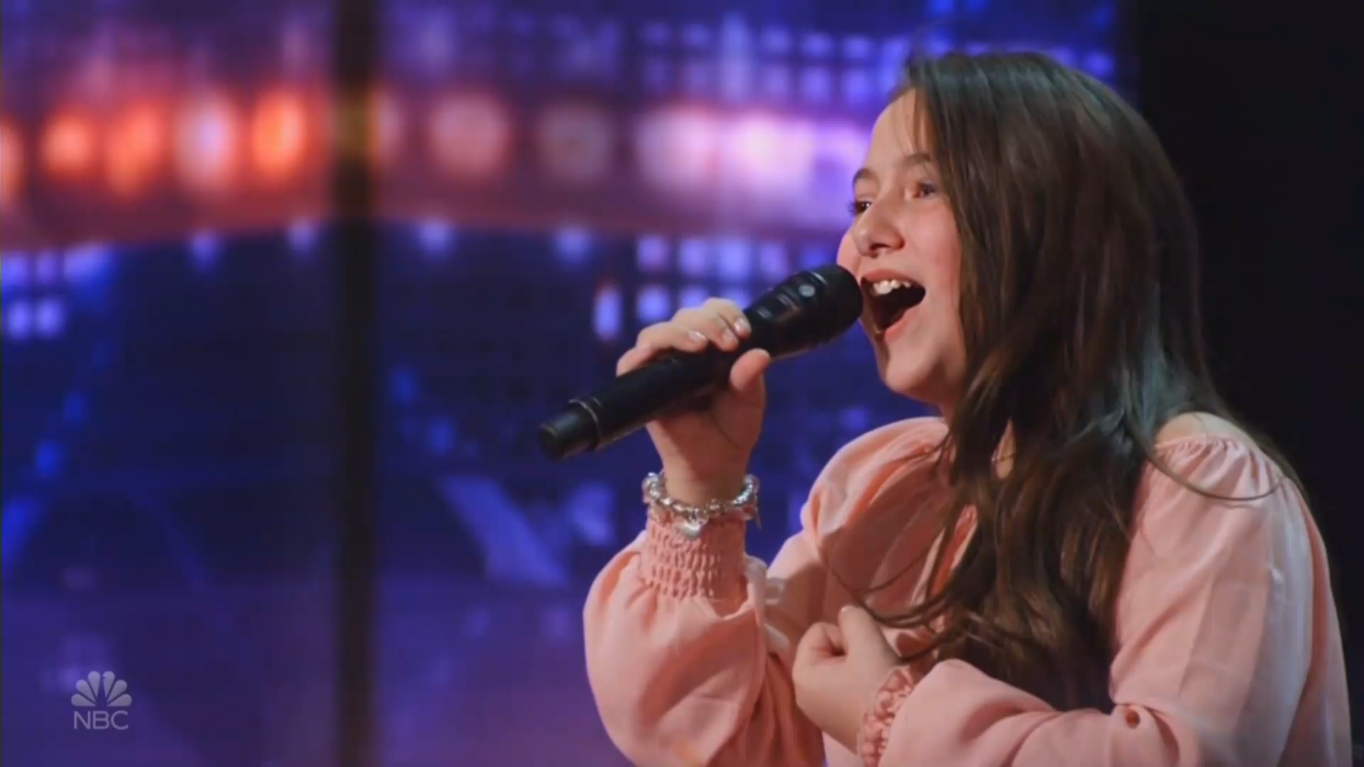 10-year-old AGT contestant shocks Sofia Vergara with a voice like Lady Gaga