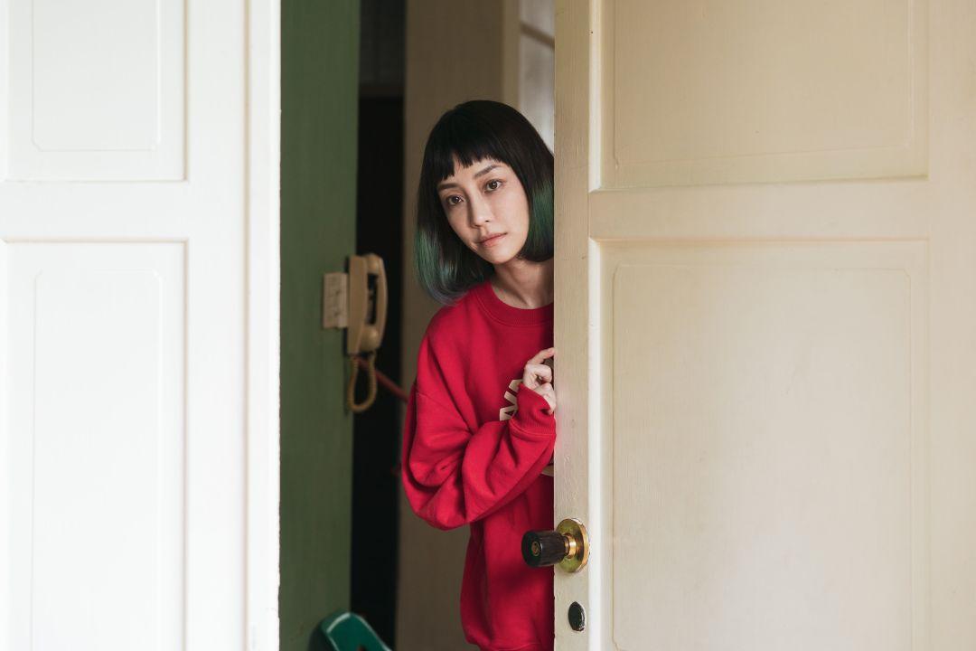 谢欣颖在《怪胎》中饰演超爽朗的直球女