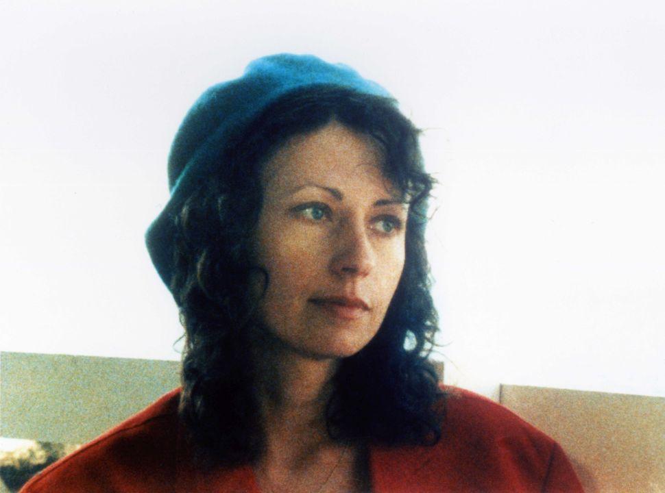 飾演全片核心人物黛芬的瑪莉(如圖)也在本片掛名編劇