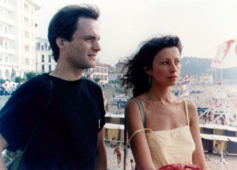 瑪莉(右)曾感性表示,「現在每當我來到海邊,總會想起當年和侯麥一起拍《綠光》的時光,然後陷入感傷,因為侯麥再也不在了。」