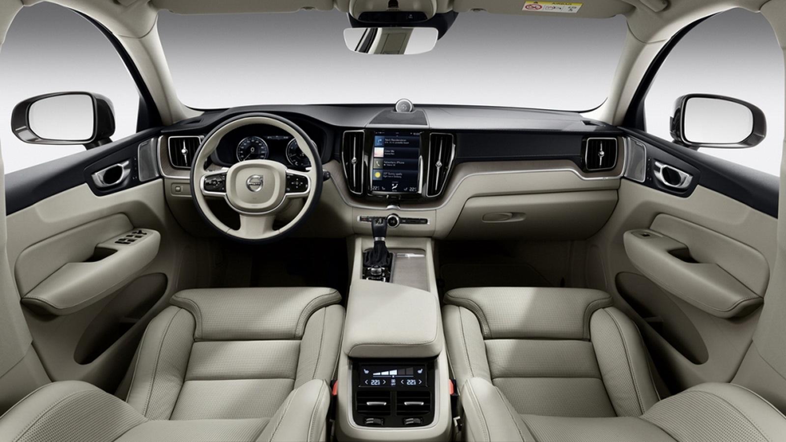圖/2020 Volvo XC60 D4 Momentum採用與90旗艦車系同級的Sensus人因智慧科技介面,透過極簡按鍵創造直覺操作邏輯與便利性。
