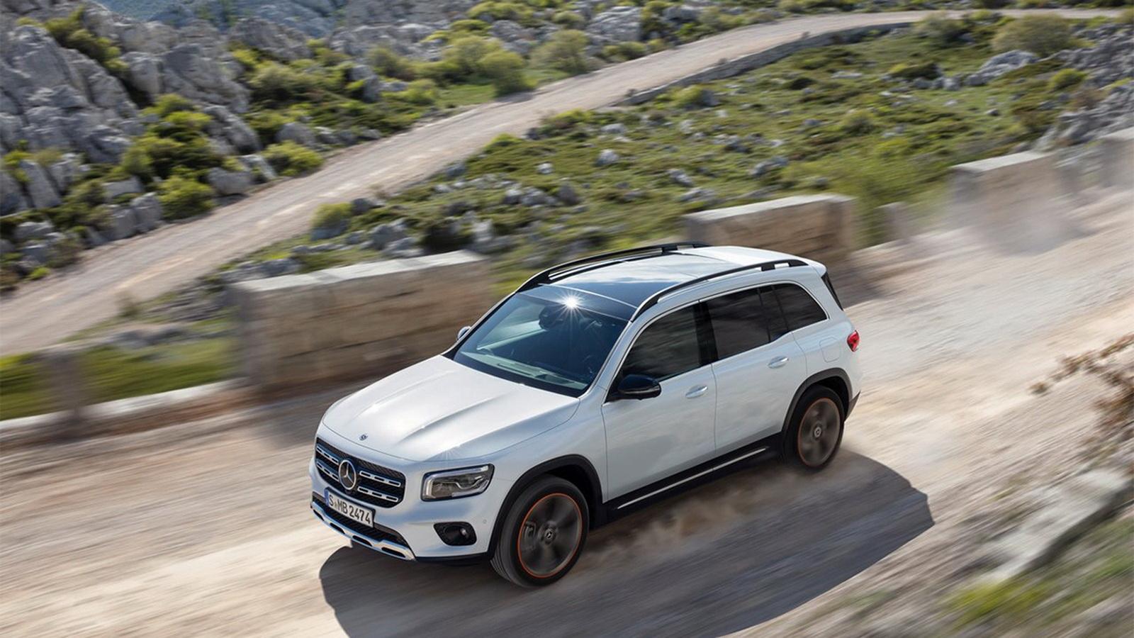 圖/2020 M-Benz GLB 200d搭載2.0升渦輪增壓柴油引擎,搭配DCT雙離合器八速自手排變速箱,具備150hp/32.6kgm的高扭力輸出表現。