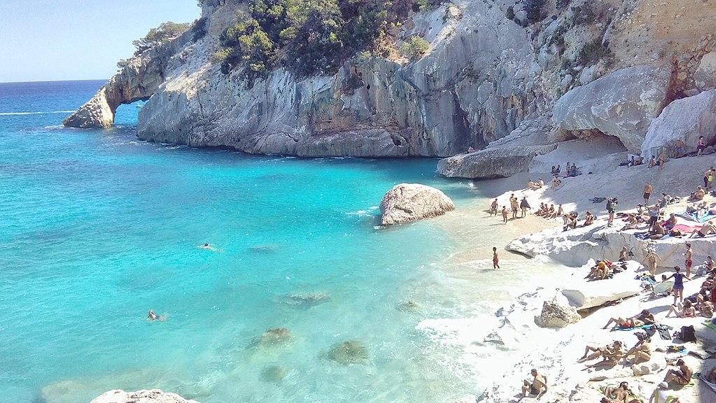 薩丁尼亞島 (Photo by Nicola Secci, License: CC BY-SA 4.0, Wikimedia Commons提供)