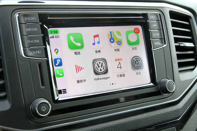 可支援Apple Car Play與Android Auto雙系統。