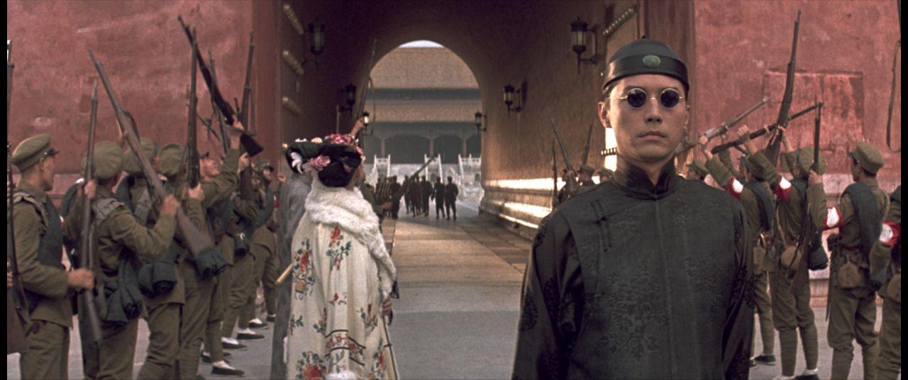《末代皇帝》尊龍飾演溥儀