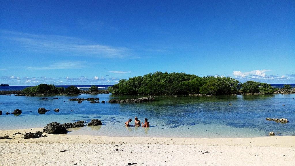 錫亞高島 (Photo by ChaasPrime, License: CC BY-SA 4.0, Wikimedia Commons提供)