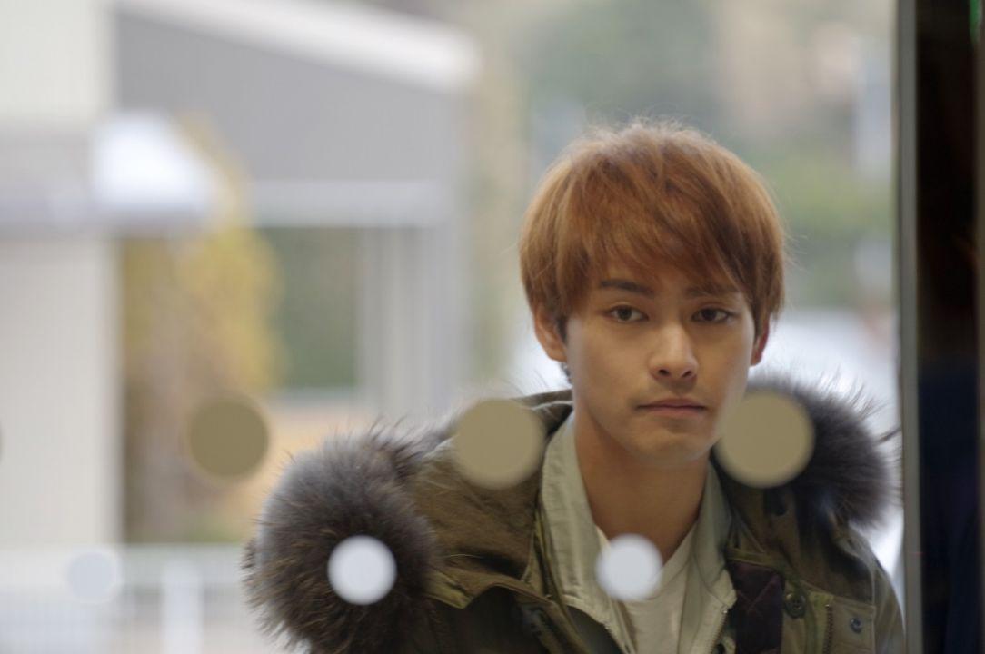 柳樂優彌於2004年時以是枝裕和導演的《無人知曉的夏日清晨》出道,並一舉獲得坎城影帝