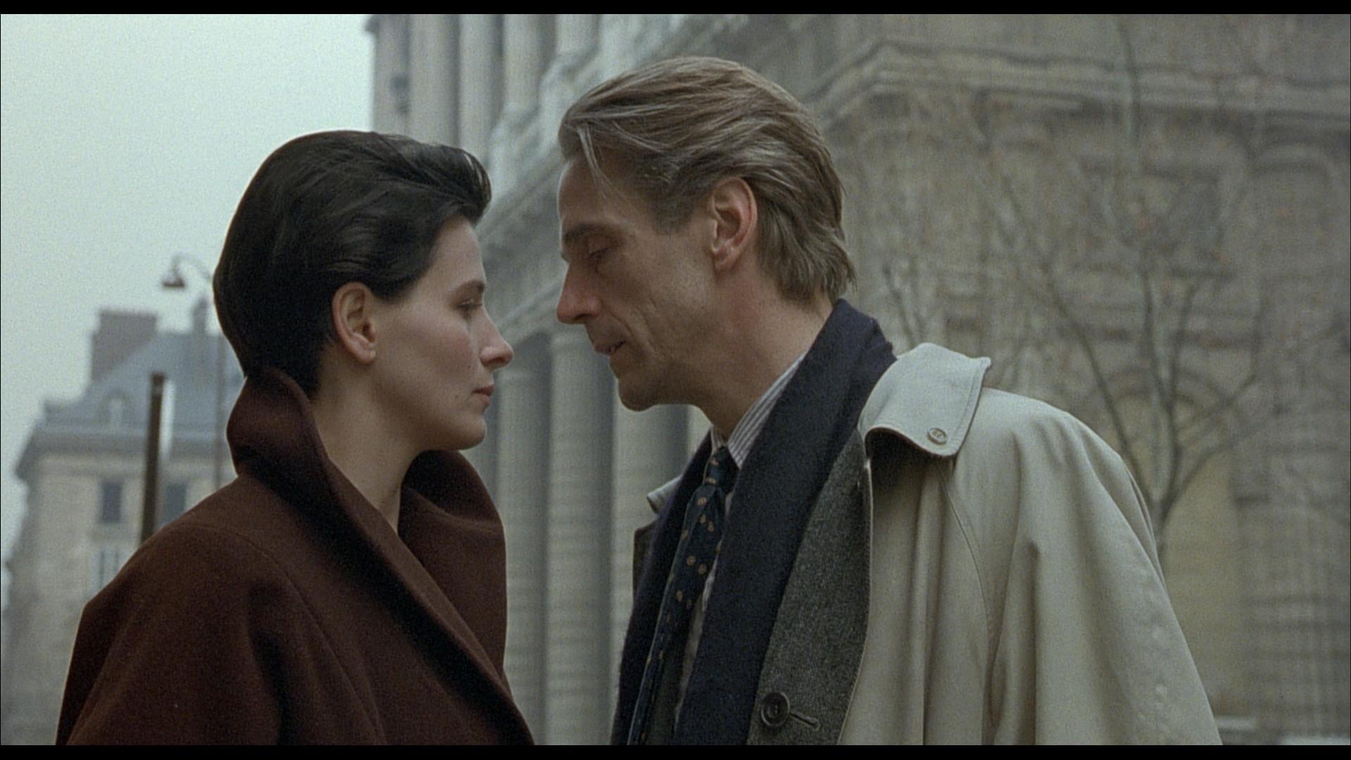 法國國寶級影后茱麗葉畢諾許超尺度演出 《烈火情人》經典重現