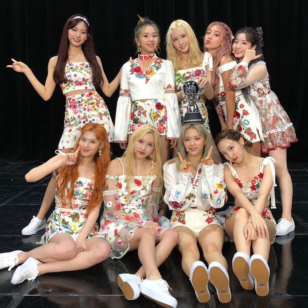 TWICE 追上少女時代,並列獲得最多音樂節目冠軍的韓國女團。