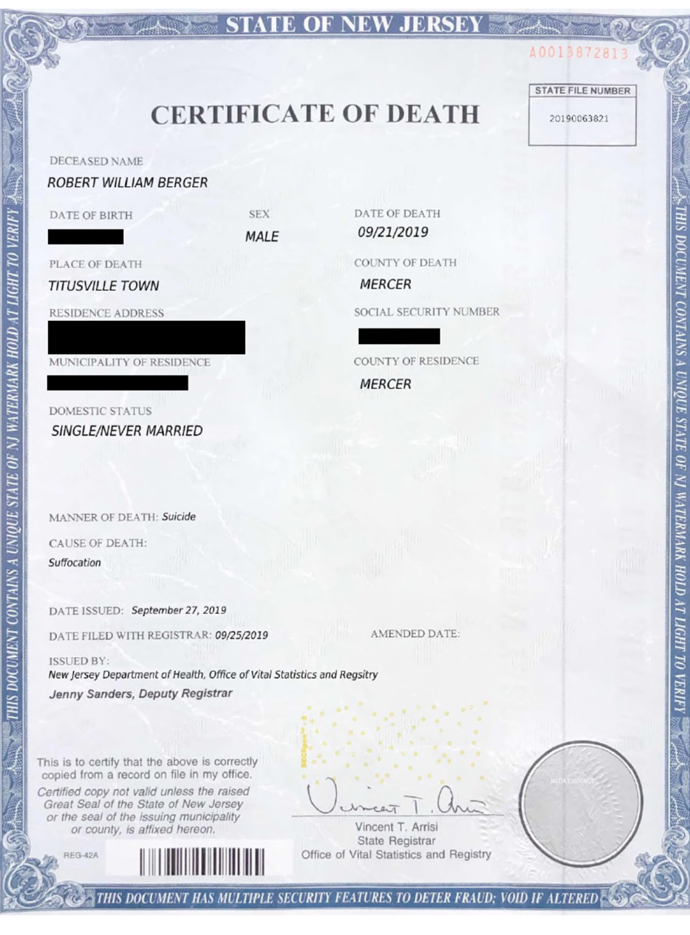 This image shows a fake death certificate for Robert Berger, 25, who tried faking his own death.