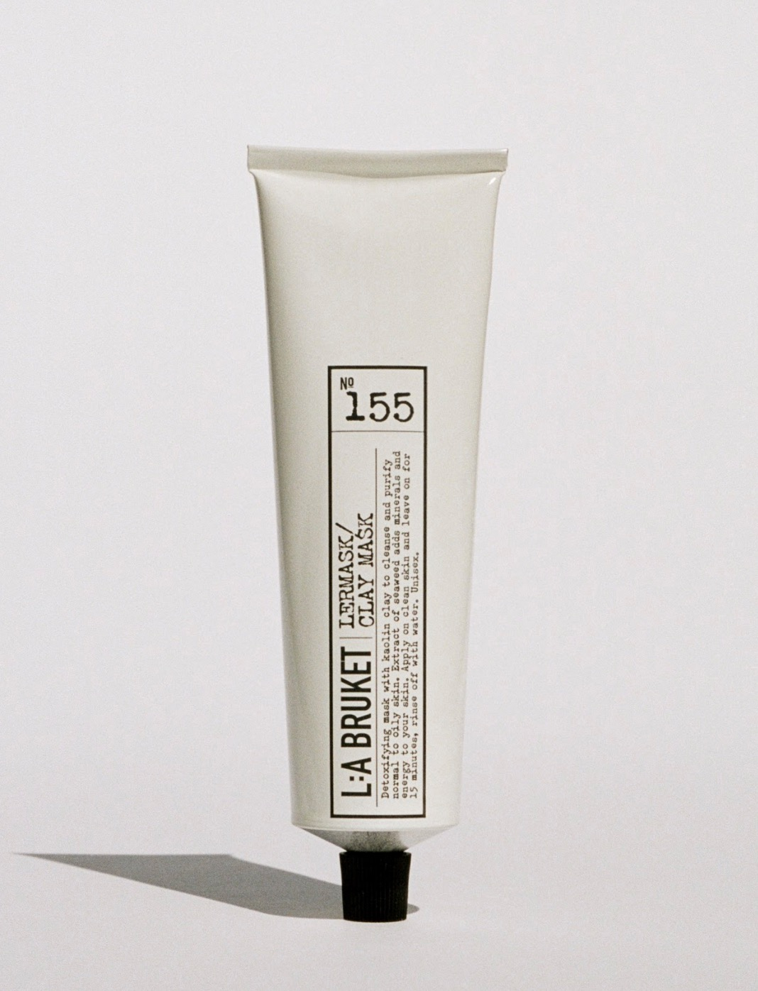 提供溫和地代謝角質、淨化毛孔、深層補水共3重功效,打通毛孔通道,提升後續保養品吸收力,是一款全能型前導面膜。添加墨角藻精華萃取,藉由高含量的褐藻糖膠快速清除自由基,使皮膚保持明亮活力。每週使用2至3次,定期淨化皮膚毛孔,突破保養瓶頸期。