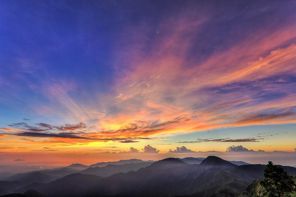 望洋山日出(圖片來源:羅東林區管理處)