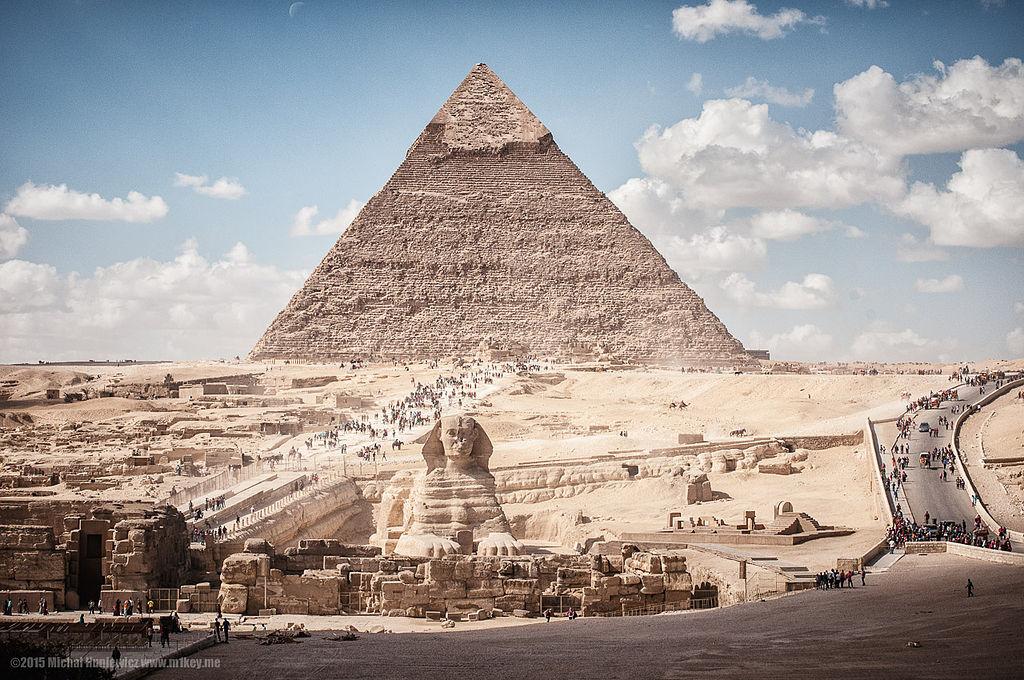 卡夫拉金字塔和人面獅身像 (Photo by M1chu, License: CC BY-SA 3.0, Wikimedia Commons提供)