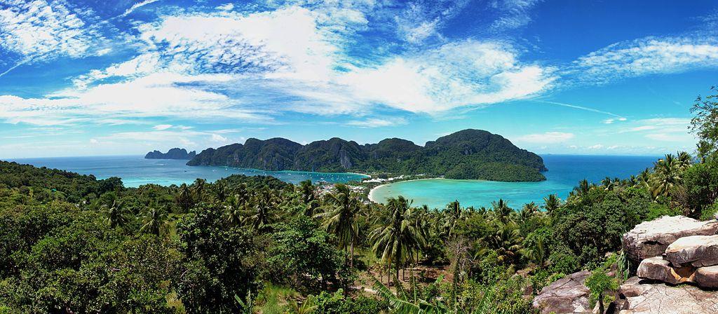 披披島 (Photo by AgentMR, License: CC BY-SA 3.0 de, Wikimedia Commons提供)