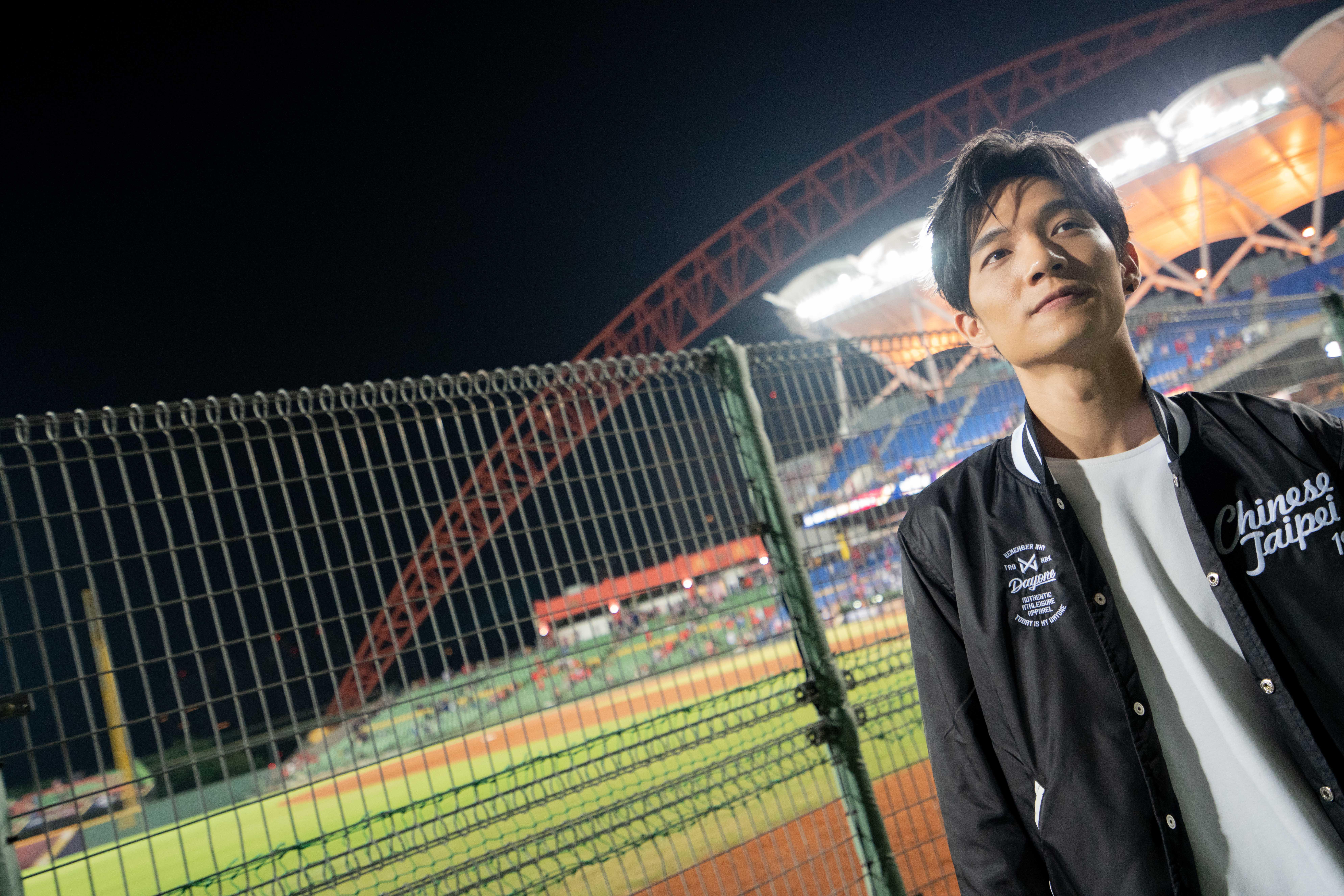 ▲創作歌手黃奕儒,私底下對於運動賽事非常熱衷。
