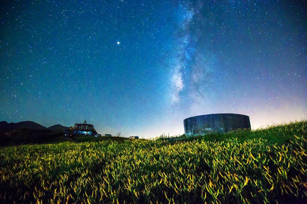 毫無光害的六十石山,能看見銀河(圖片來源:花東縱谷國家風景區)