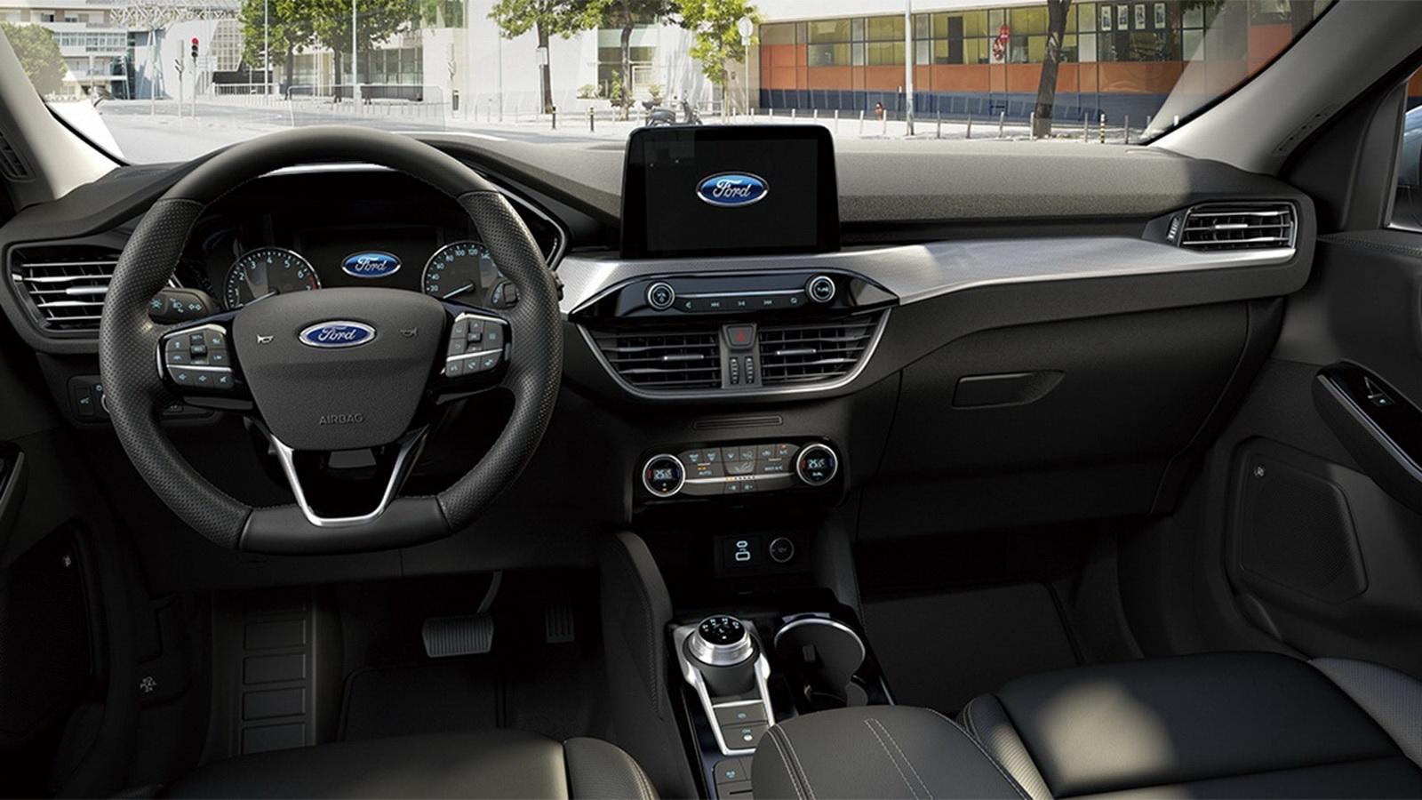 圖/2020 Ford Kuga(NEW) EcoBoost 180旗艦型部份設計以「人」為出發,搭配高科技含量的內裝配備,帶來細膩簡約、更具豪華感的乘坐體驗。