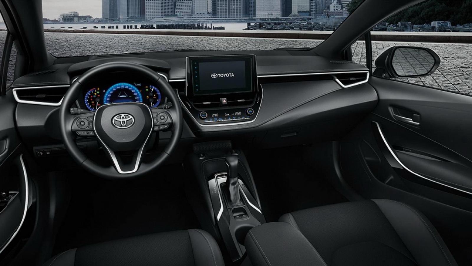 圖/Corolla Sport配備7吋液晶儀表板與8吋獨立多媒體螢幕,整體內裝鋪陳與Corolla Altis差異不大。