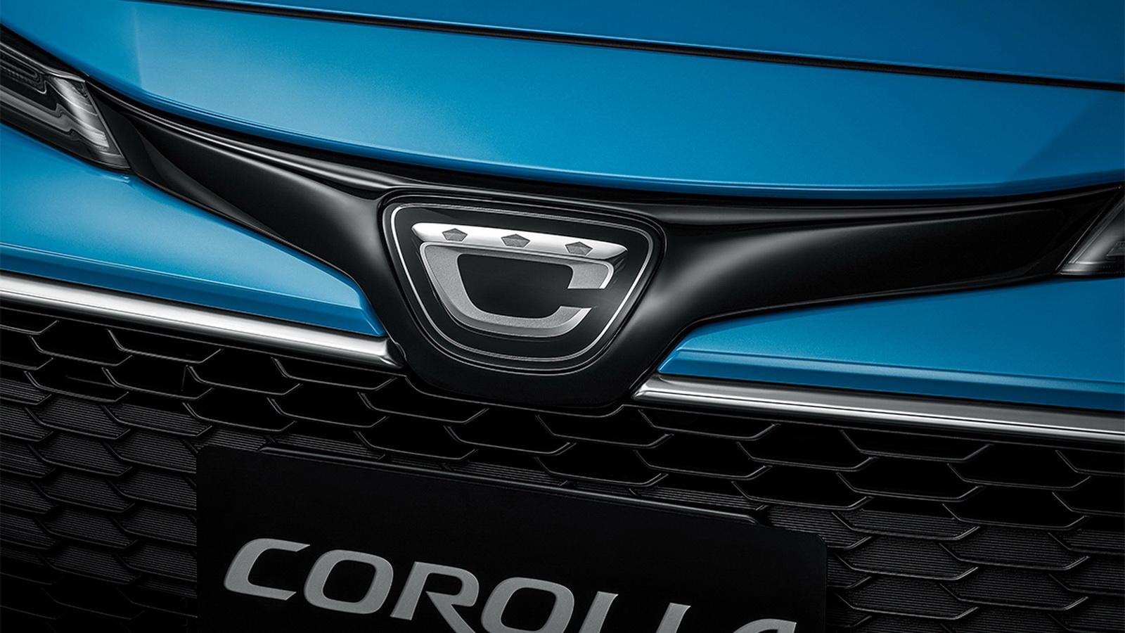 圖/Corolla Sport外觀最大亮點為,車頭改搭載日規專屬廠徽,讓人一眼就能辨識日本製的純正血統。