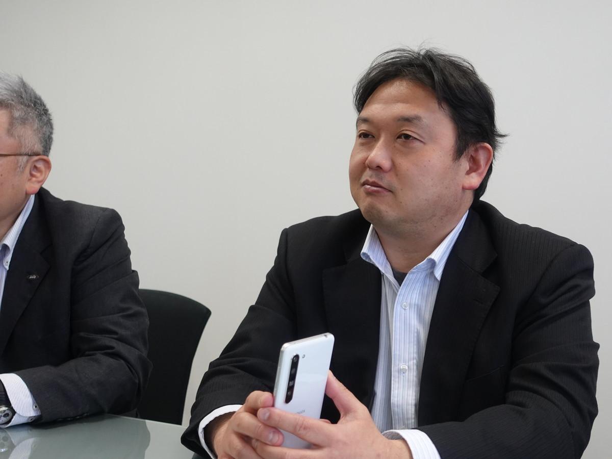 シャープ 関文隆氏