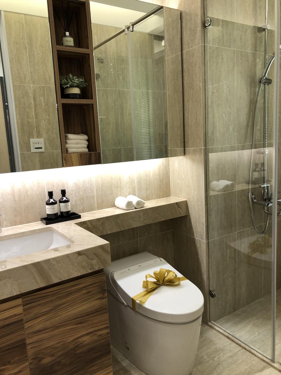 ▲衛浴必定會擺放鏡子,但要注意不要反射到馬桶,以免晦氣橫行。
