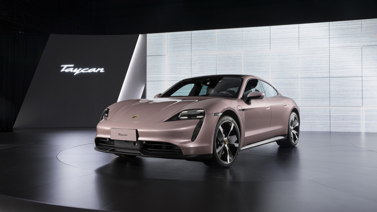 "Photo of Porsche announces ""Tycan'' with one motor reduced in China-Engadget Japan version"
