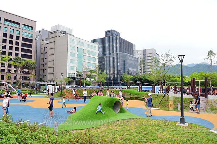 業者認為,未來國際企業將湧入台北市,商辦市場可望受惠。(圖為內科)。