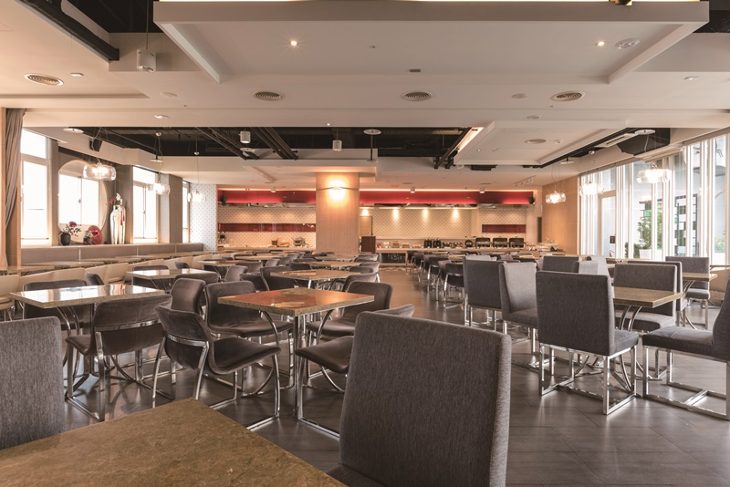 景觀咖啡廳採光明亮空間寬敞。圖片提供/台中碧根行館