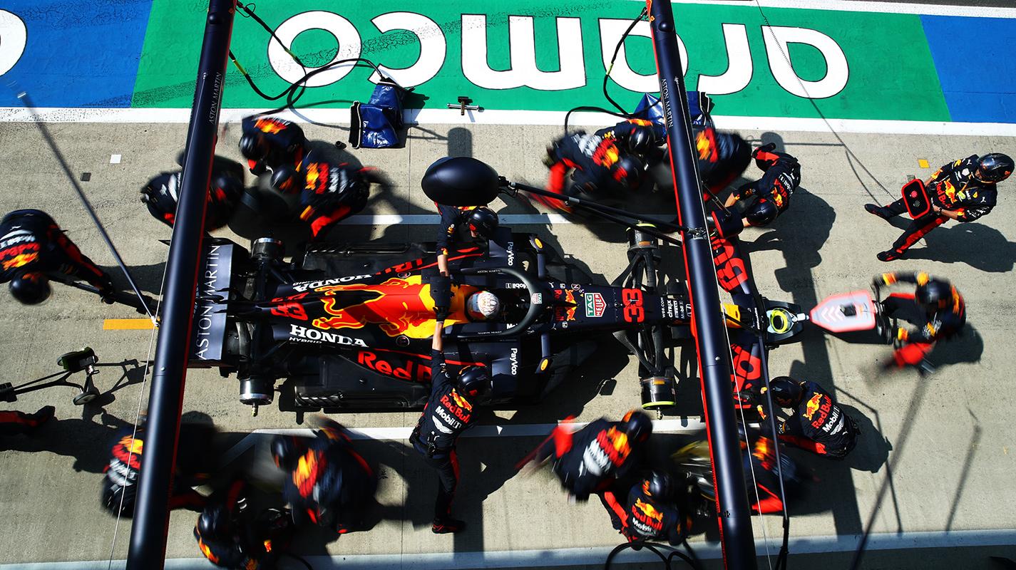 Horner很驚訝沒有其他人嘗試Verstappen的輪胎策略