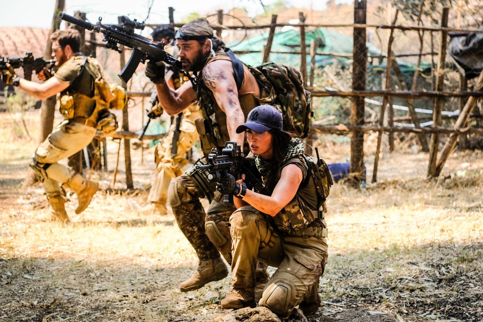 《重裝救援:全境獵殺》槍戰、爆破樣樣來!導演卻直言性感女神梅根福克斯「不會演」?!