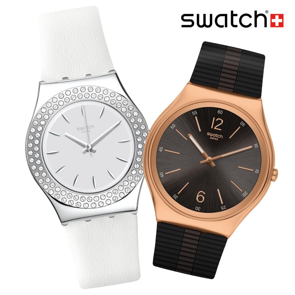 Swatch 夏日情人對錶。女錶款摩登現代感十足,男錶款則以金屬高質感外觀,展現品味