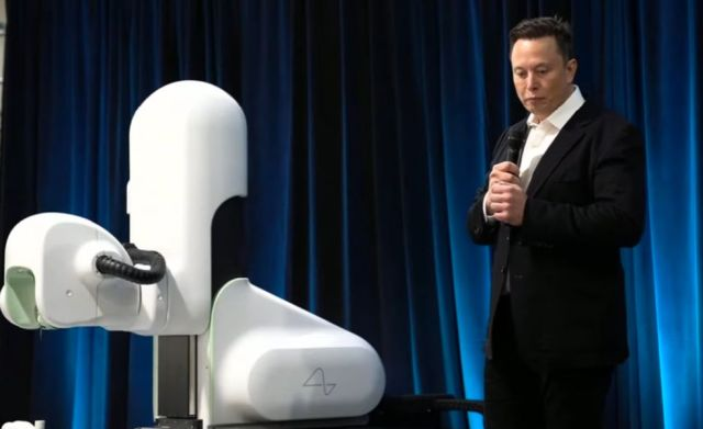 Elon Musk with V2 Neuralink robot