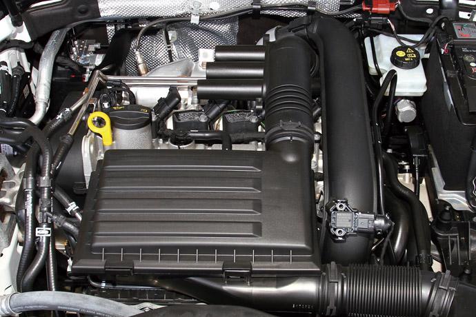 搭載1.4升直列四缸渦輪增壓引擎,可輸出最大動力150hp/25.5kgm,0-100km/h加速僅需8.9秒即可完成,此動力輸出相當於Audi的35 TFSI車系。